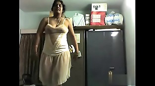 Desi Mom Nude Dance at Bedroom