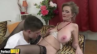 Raina W (50) Horny housewife doing her toyboy