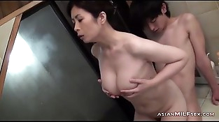 Chesty Mummy Sucking Young Stud Getting Her Hairy Beaver Fingered In The Bathtube