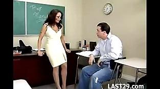 Hook-up Teacher Isabella