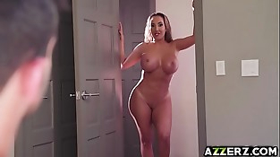 Big-titted Mummy Richelle hot 3some with Cassidy Banks