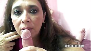 Curvy Mummy Alesia Pleasure licks ball sack and deep-throats dick
