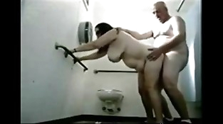 OLDIES string up hook-up at bathroom - HORNY OLDIES