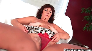 Chesty senior lady Alma rubs her hairy cunt with her frigs