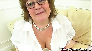 British granny Susan still knows how to pleasure her raw cunny