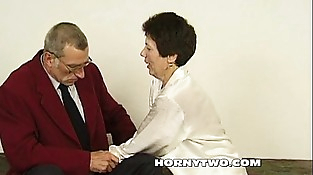 Sporty old people suckingg and fucking so much with lot of jizz