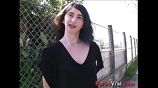 She squirts unable to restrain himself in the street!! French unexperienced